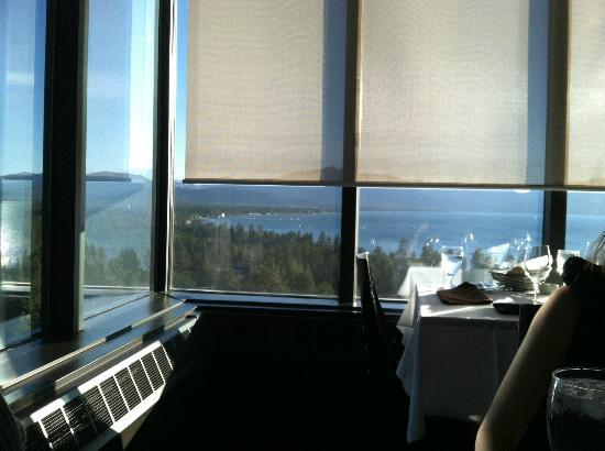 19 Kitchen~Bar: View of the lake from our table