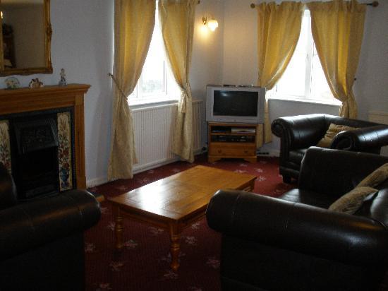 Oakdene Apartment Suites: No1 Lounge b