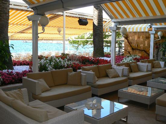 Hotel Le Palme: Outdoor bar and restaurant