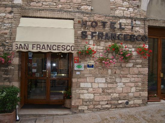 Hotel San Francesco: Front entrance