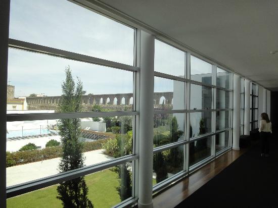 M'Ar De Ar Aqueduto: Aqueduto and garden view