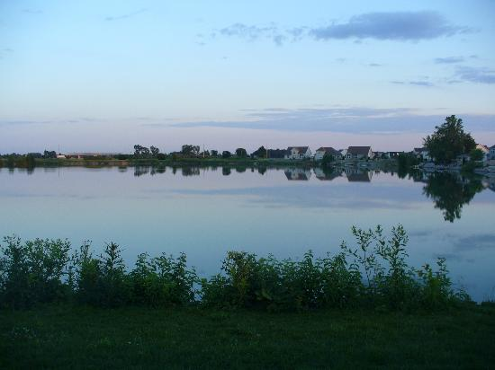 Belamere Suites: lake behind