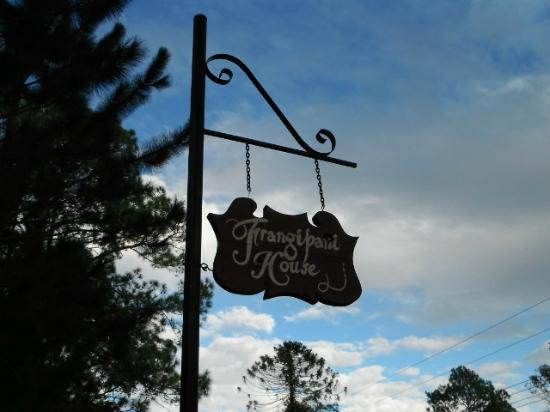Mooloolah Valley Holiday Houses : Welcome sign