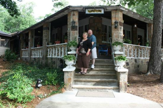 Shawn and I in front of Cobblestone Lodge the morning we left :(