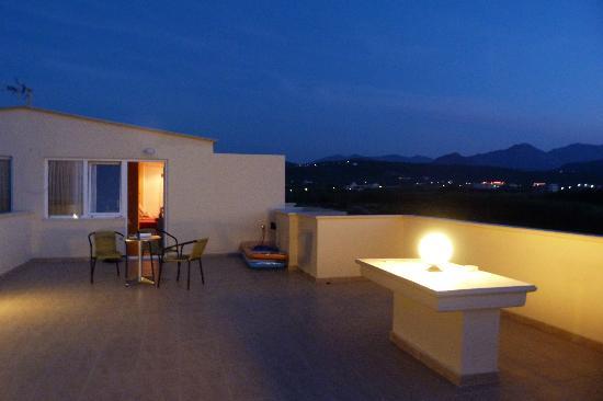 Mesogios Beach: Terrasse du studio
