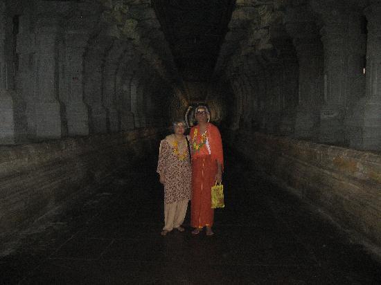 Ramanathaswamy Temple : long corridor on pillars