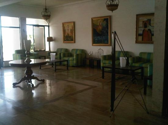 Tropicana Hotel: lobby