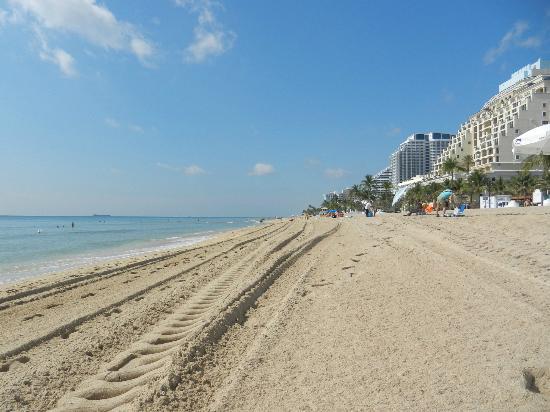 كوكوبيل ريزورت: la spiaggia vicina al resort