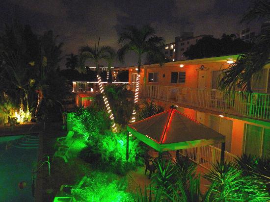 Cocobelle Resort: il giardino di notte