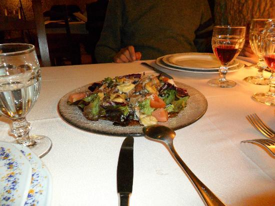 CUEVA LOS POINOS (restaurante): Sabrosa ensalada