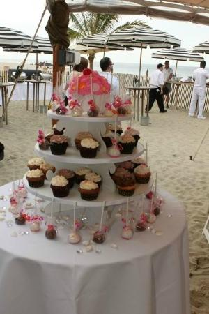 Sugarush: Beach Party - Cupcake Tower