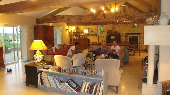 Maison d'hotes Les Batarelles  : The beautiful lounge
