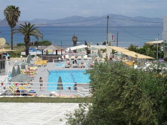 Niriides Beach Hotel: Sea and pool view.