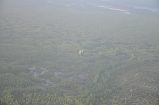 Thompson Aire: 2nd balloon in the distance