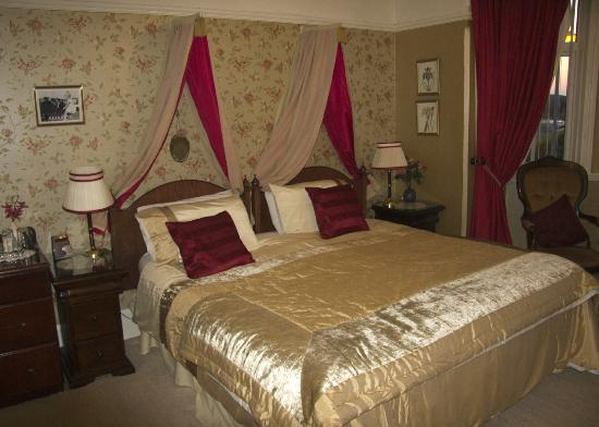 Yr Hendre Guest House: The room