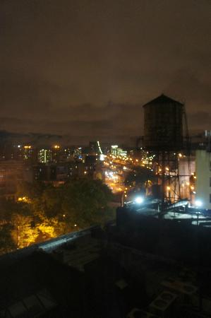 Comfort Inn Manhattan Bridge: View from Room 910