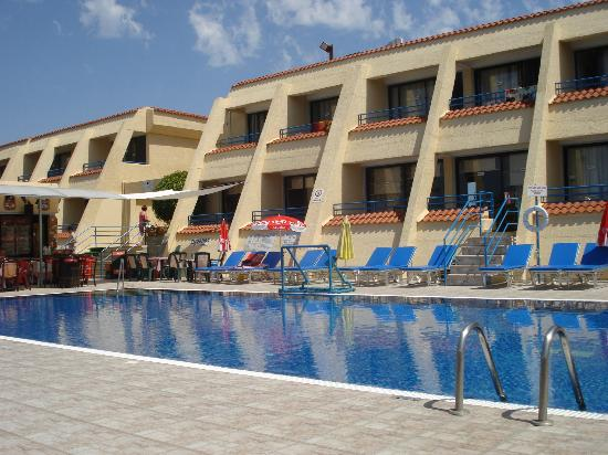 Napa Prince Hotel Apartments : pool