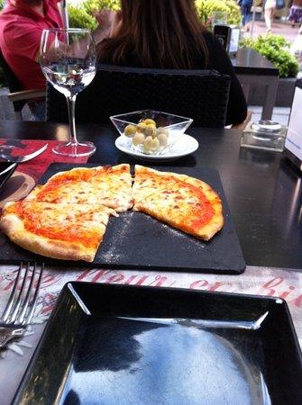 Il Salotto : ymmm pizza