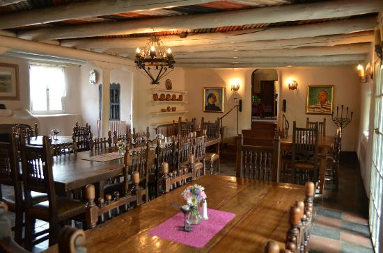 Mabel Dodge Luhan House : Dining room. Behind the photographer is the patio, also available for dining.