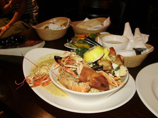Crown Hotel: Sea food at the crown