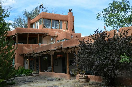Mabel Dodge Luhan House: Lodge front. The uppermost room is the solarium/Tony Luhan's room.