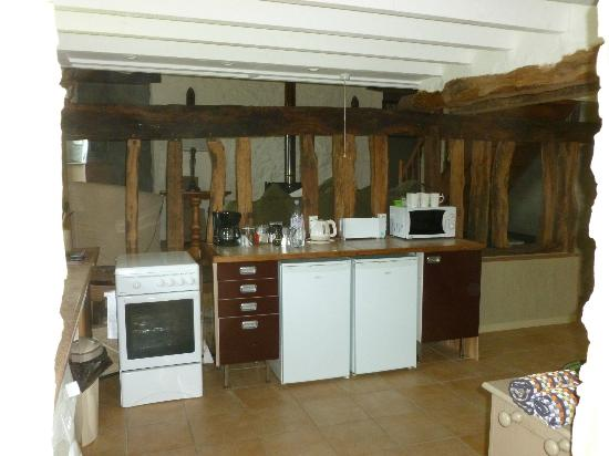 Gageolle: Kitchen. All mod cons provided!