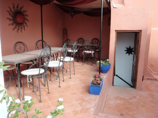 Riad Dar Saba: Breakfast on the Balcony