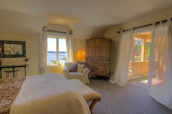 Kingfish Inn: Alder Suite + private deck