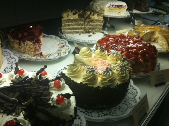 Parkhotel: Great selection of cakes!