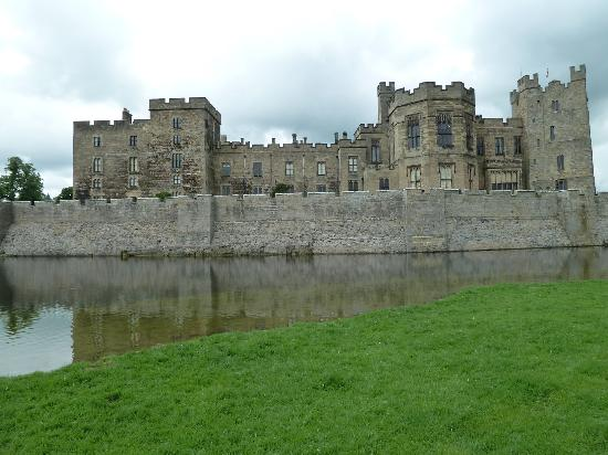 Teesdale Hotel: Raby Castle