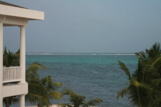 Tara del Sol: view of reef past bldg A