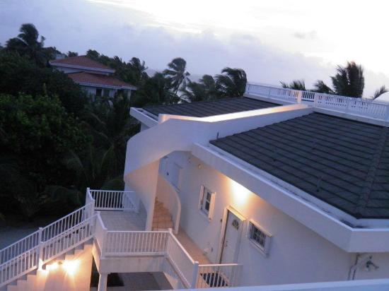 Tara del Sol: rooftop access