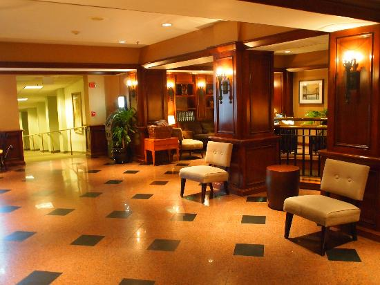 LaGuardia Airport Hotel: Reception Area