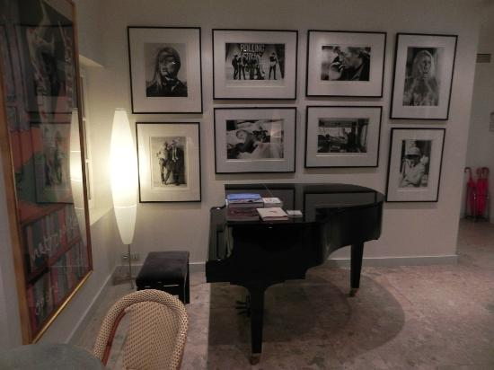Pastis Hotel St Tropez: Reception, photos by Terry O'Neill