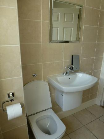 Nicolson Apartments: Bathroom