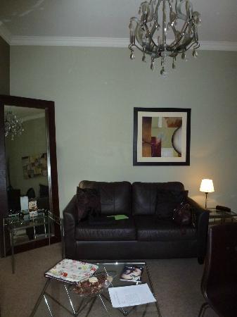 Nicolson Apartments : Living room