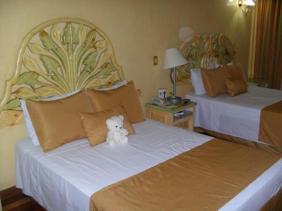 Villa Las Margaritas Plaza Cristal: La habitación con una decoración muy agradable