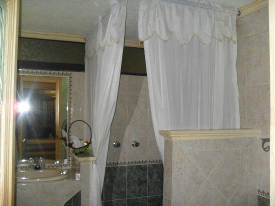 Villa Las Margaritas Plaza Cristal: Baños limpios