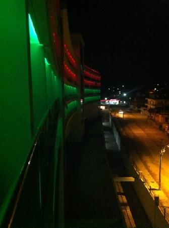 Kahya Resort & Aqua: hotel at night pt1