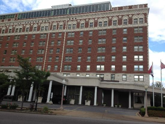 The Chase Park Plaza: Hotel Exterior