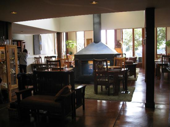 Brewery Gulch Inn: Main Room