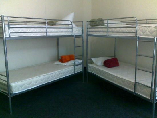 United Hostel: 4х местный номер