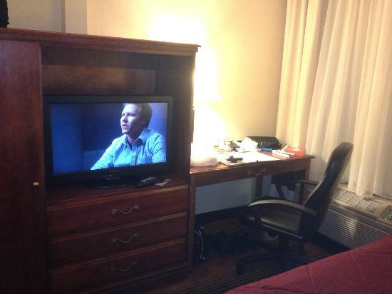 """Comfort Inn Towson: 27"""" Flat Screen TV and desk"""