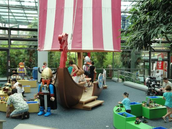 Playmobil FunPark: no meio da praça de alimentação, + brinquedos