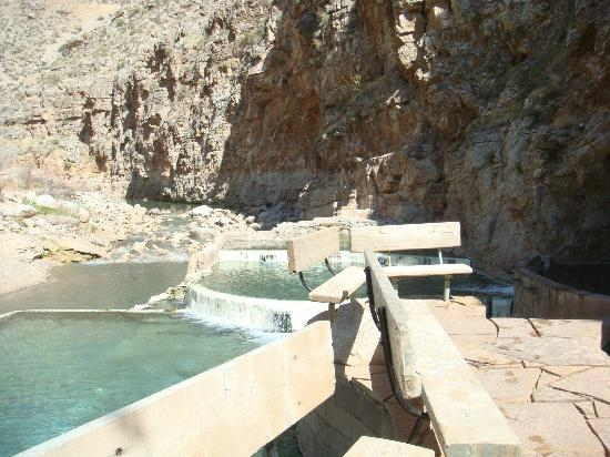 Pah Tempe Hot Springs: Hot spring pools and deck with benches
