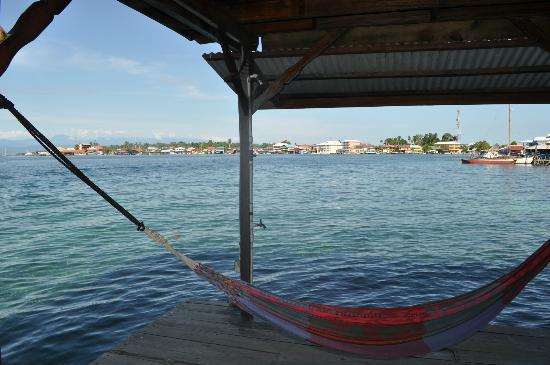 Casa Acuario: Distance from Isla Colon