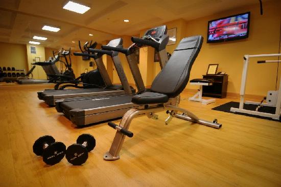 Hotel Revival: Fitness Center