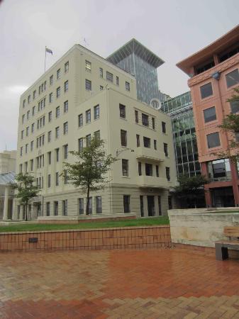 Wellington Town Hall: Under a gloomy sky in Wellington
