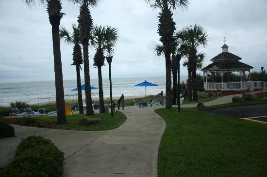 Coral Sands Inn & Seaside Cottages Ormond Beach: View from cottages