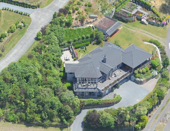 Tauhara Sunrise Lodge: Aerial view of Tauhara Sunrise